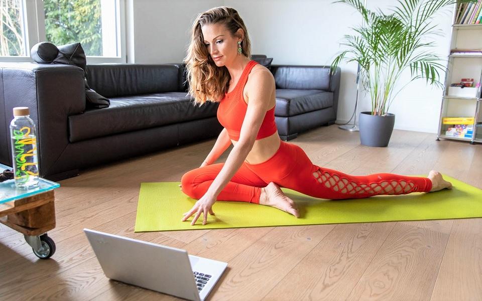 Zoom-Yoga-mit-Martine